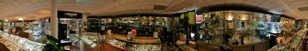 Stop in and say hello! You favorite (and best) family jeweler provides quality custom + fine jewelry, watches, crystal, engraving + repair services. Take a peek inside our store, with the panoramic image below.  . With love,  -Marquis . . . #shoplocal #newtonma #finejewelery #boston #ma #newtonhighlands #newtoncenter