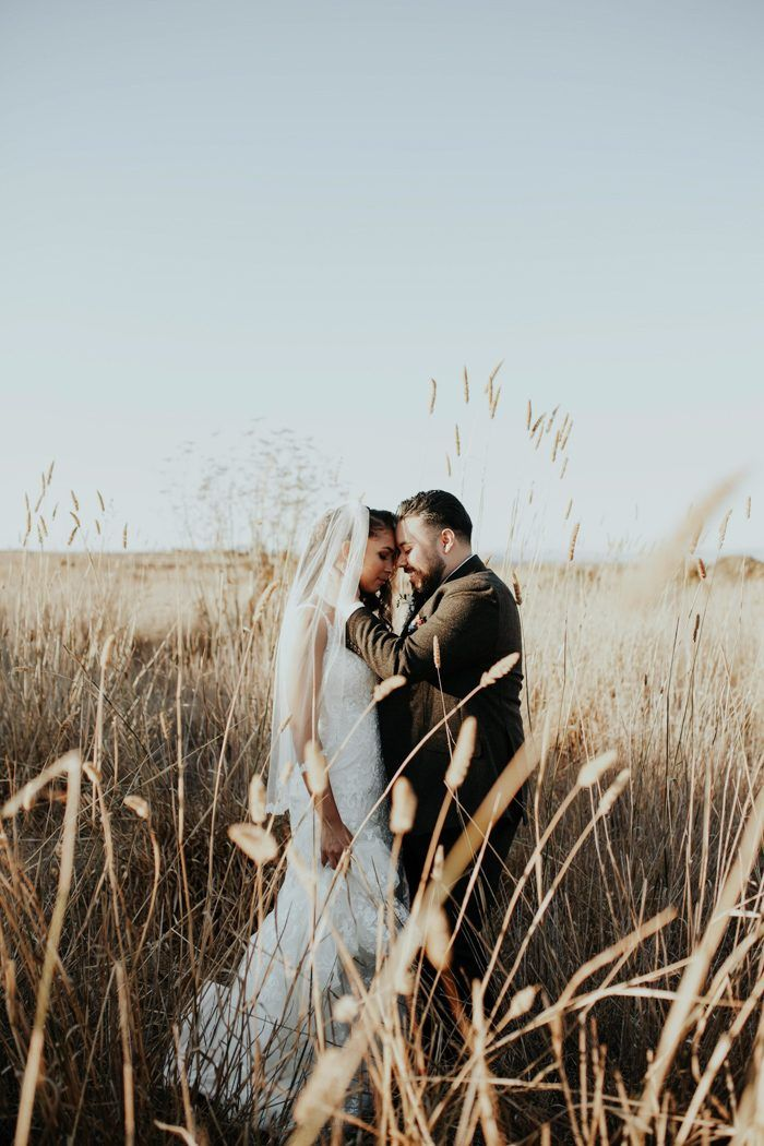 These wheatfield wedding portraits are makin' us feel all floaty inside | Image by Ben and Kadin