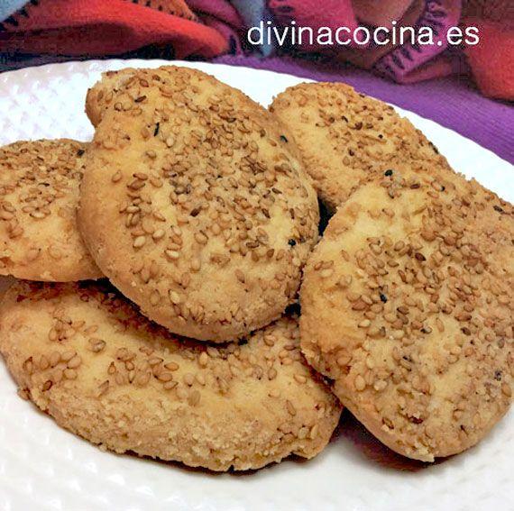 Esta receta es la de las famosas perrunillas del convento de Santa Clara, en Sevilla. En lugar de la canela puedes aromatizar con un chorrito de anís dulce.