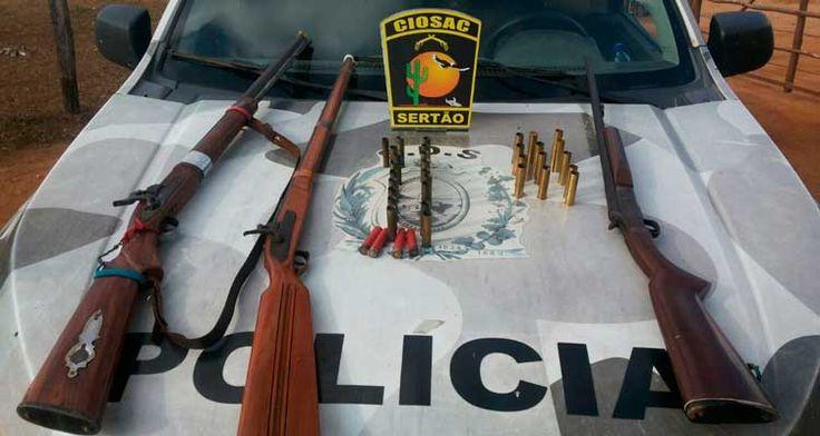 A polícia apreendeu espingardas além de cartuchos de diversos calibres. O infrator foi conduzido paraDelegacia de Polícia Civil da cidadede Bodocó