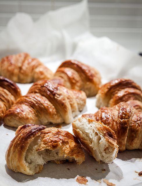 http://www.scattigolosi.com/2013/09/croissant-parigini-di-massari.html