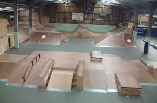 http://cdn.coresites.factorymedia.com/mpora_new/wp-content/uploads/2014/05/Mont-Hawk-Skatepark-Street-Course.jpg