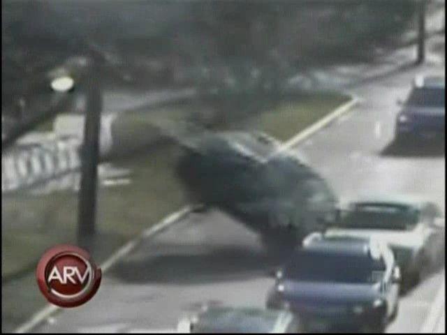 Doctora borracha y drogada protagoniza un aparatoso accidente en Boston #video   Cachicha.com
