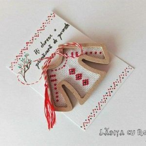 Brosa martisor cusut traditional made with love by Ladita cu rost