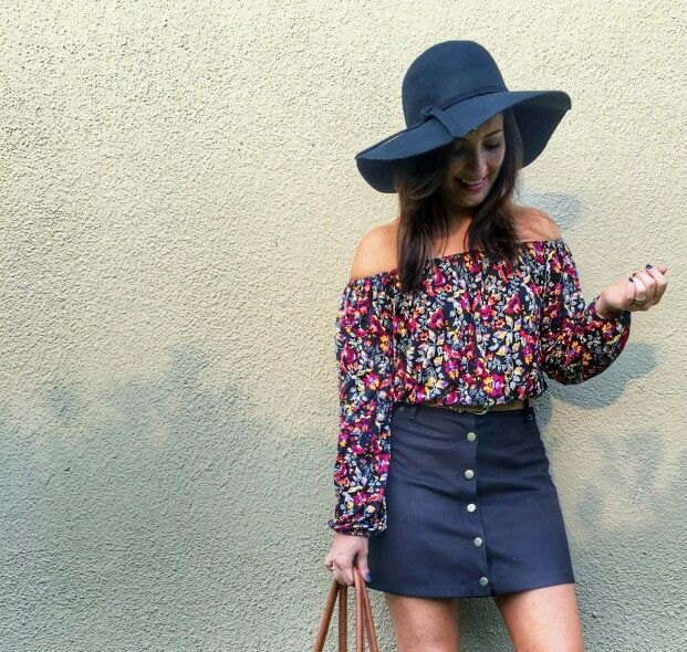 #ootd #fashion #fashiongram  H&M (my favourite) bag and floral top, cotton on block heels,  Mr Price skirt & hat ♥ #handm #autumn #falloutfit #outfit #girl #brunette #balayage #woman #whatiworetoday #wardrobe #floral #tan #ellebellewears #fashion #fashionfun #slayallday #hat #hobby #lovefashion #lookoftheday