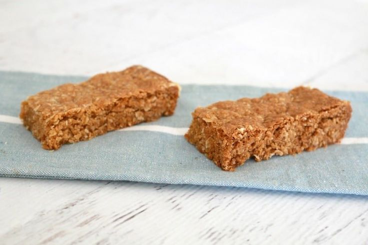 Make a break from the traditional biscuits with a deliciously easy ANZAC Slice! This ANZAC slice is the perfect lunch box treat!