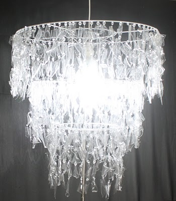 KAZARI ATELIER & INTERIORES: Luminária Balas Cristal * reciclar *