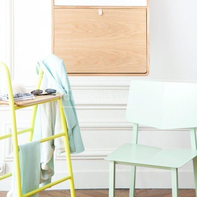 Deze Rosalie stoel van het label Harto Design biedt stijl, gemak en comfort door zijn metalen structuur en slanke design. Een leuk hip stoeltje voor in iedere ruimte. Verkrijgbaar in de zachte, frisse pastelkleur mint!   Gewoonstijl