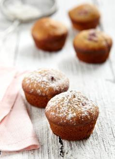 Almond and Raspberry Mini Cakes