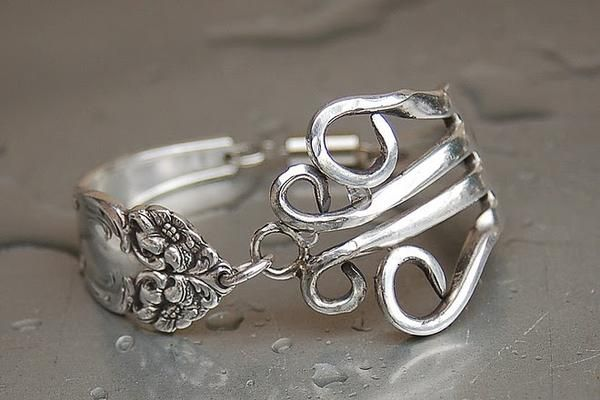 clever . . . silverware jewelry.  My Aunt Gigi made jewelry out of real silver utensils 40 years ago!!  They were awesome!