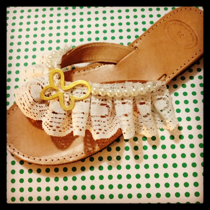 Handmade leather sandal with white lace, pearls and gold butterfly