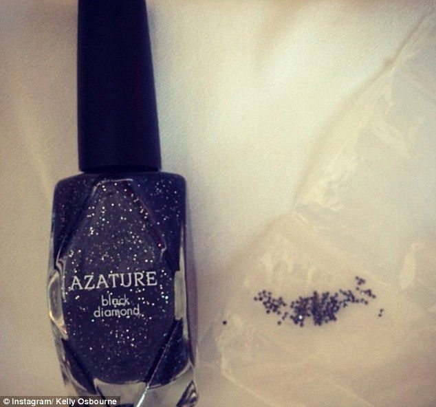 So this is what a $250K bottle of nail polish looks like. Kelly Osbourne shared via Instagram: 'So excited and honored but absolutely s***ting myself to have that much money on my nails!': Diamonds Nails, Nailpolish Bottle, Osbourne Wore, With267Caratblack Diamonds, Kelly Osbourne, Body Beautiful, Nails Polish, High Cost, 250K Bottle