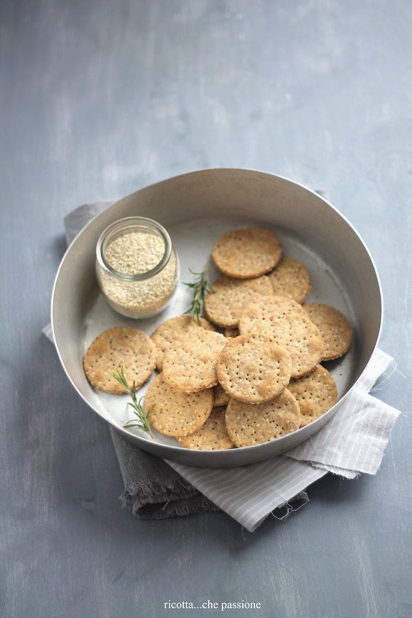 ricotta cheese ... Passion: INTEGRAL WATER CRACKERS WITH SESAME AND CECI