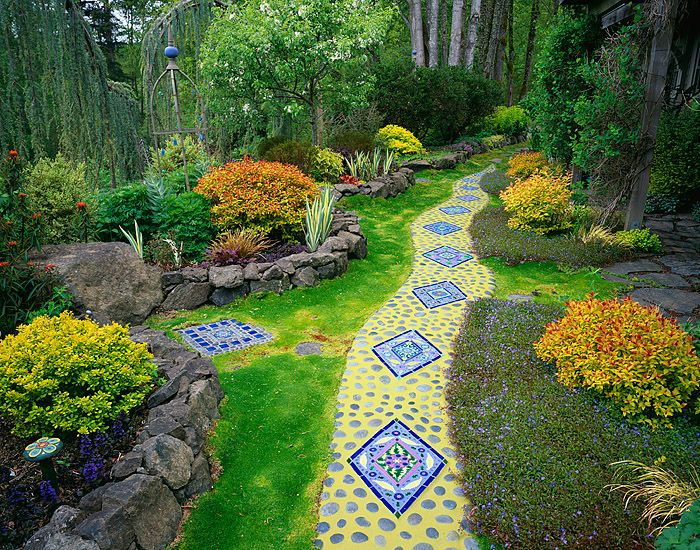 Vashon Island, WA: Whimsical garden of tile