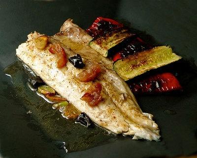 Receta :: Lubina rellena de jamón ibérico con verduras