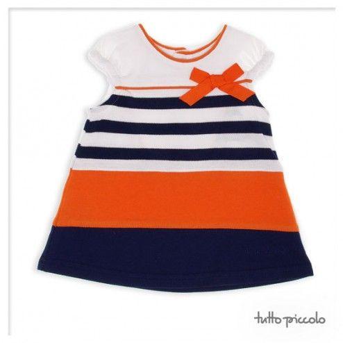 El sol brilla tan fuerte esta mañana que se confunde con los tonos naranjas de nuestras prendas. #tuttopiccolo