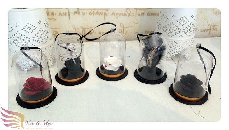 kleine Glaskuppel, Deko, Papierblumen