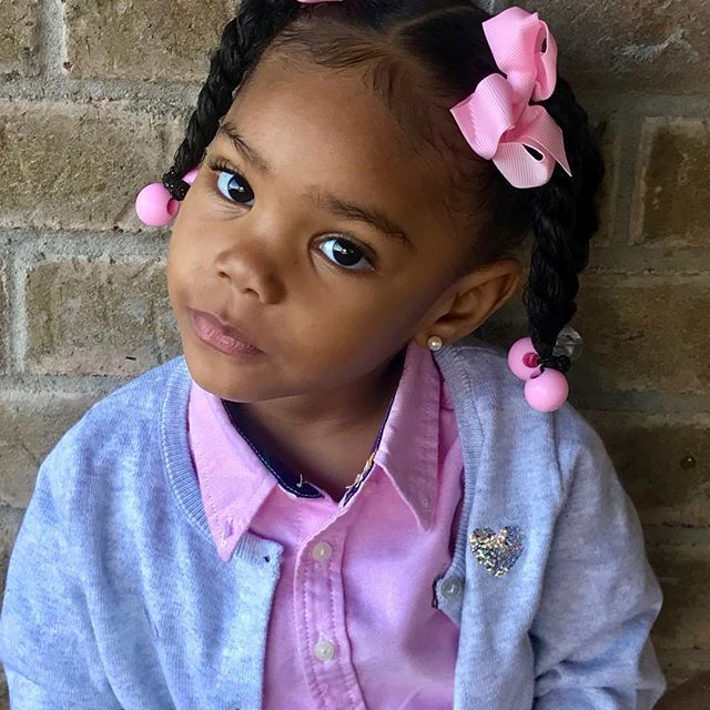 Weeedddnnneeesssddaayyzzzz The look on your face when you been outta school for 2 days after your long birthday weekend but you find out your butt going back to school today 😒😒😒! #PrettyGirlNia #DaddysGirl😍