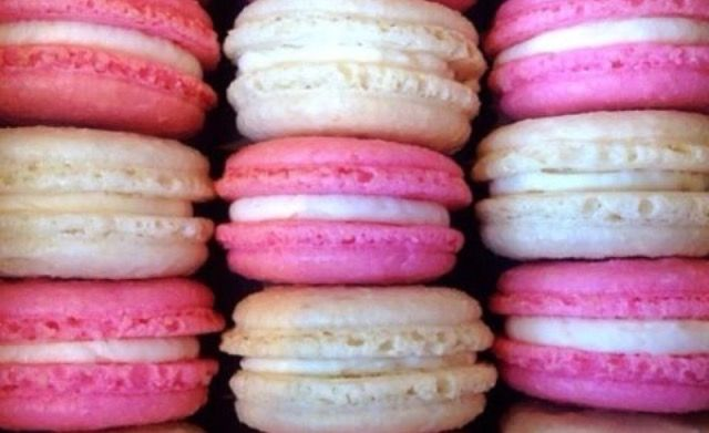 Ricetta Francese Originale e Guida Utile per Macarons Perfetti!  Clicca il link per la ricetta completa nel mio Blog 😍 😍 😍