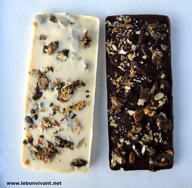 Chocolate con crocante de Pipas de Calabaza Schokolade mit Kürbiskernkrokant. ¡Toma ya!   http://lebonvivant.net/2014/11/chocolate-con-crocante-de-pipas-de-calabaza-schokolade-mit-kuerbiskernkrokant/