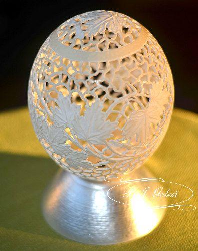 pisanka strusia - hand carved ostrich egg this ostrich egg made by Bogusława Justyna Goleń Ażurowe Pisanki
