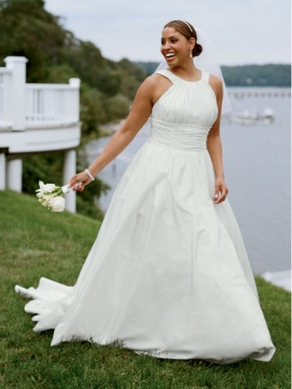 Simple Halter Ball-gown Wedding Dress for Plus Size Bride.