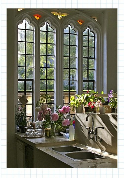 love the windows and all the pretty flowers
