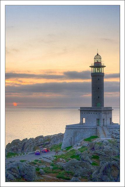 Posta de sol en Punta Nariga  Galicia... Hermoso, peacefull... Want to be there again... Tu presencia y yo!