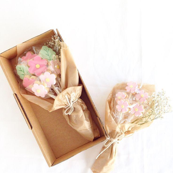 SF Signature Cookie Bouquet