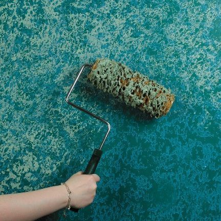 SPONGING Sponging, like rag rolling, is another textured wall paint technique that works well with many decorating styles. It's easy to do: just paint your walls with your desired base coat. Once dry, use a natural sea sponge or sponge roller to dab on your desired top color in random, slightly overlapping patterns.