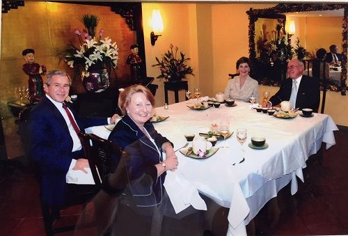 """Vietnamese Fresh Spring Rolls and Hue dishes:  In Vietnam, Mr George W. Bush and his wife tried these dishes and gave """"Wonderful!"""" review."""