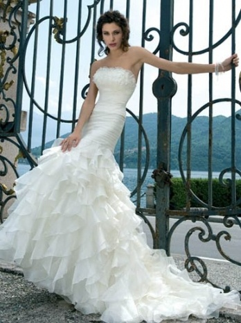 Spanish style wedding dress pictures dresses costume for Spanish style wedding dresses