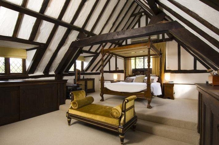On Beautiful Home Decoration With Amazing Tudor Interior