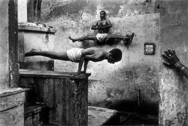 Monjes shaolin entrenando