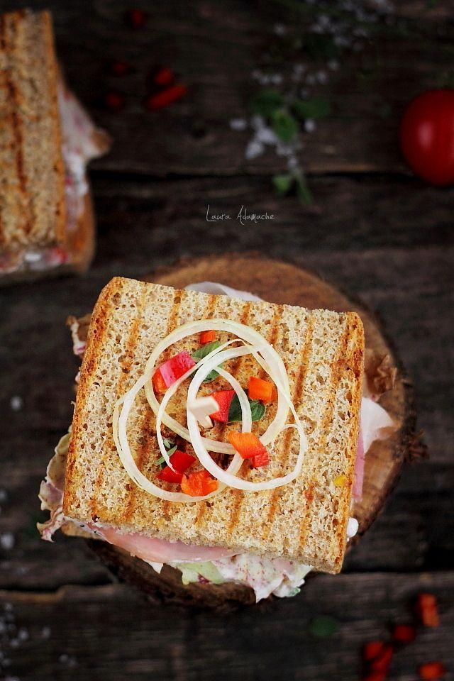 Sandwich cu porumb si sunca pentru picnic. Reteta sendvis cu porumb Sun Food. Reteta sandvis cu paine de casa semi integrala.