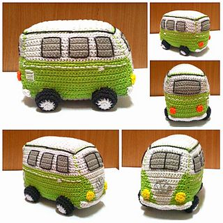 Free retro camper van pattern! This van is about 20cm long, 10cm wide and 15cm high. It's a design of my mother.
