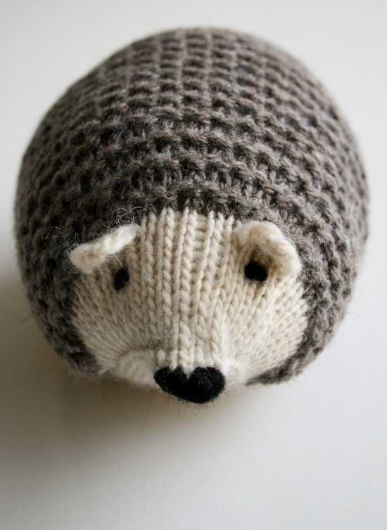 Hedgehogs by Whit's Knits free knitting pattern on Purl Bee at http://www.purlbee.com/the-purl-bee/2013/2/9/whits-knits-knit-hedgehogs.html
