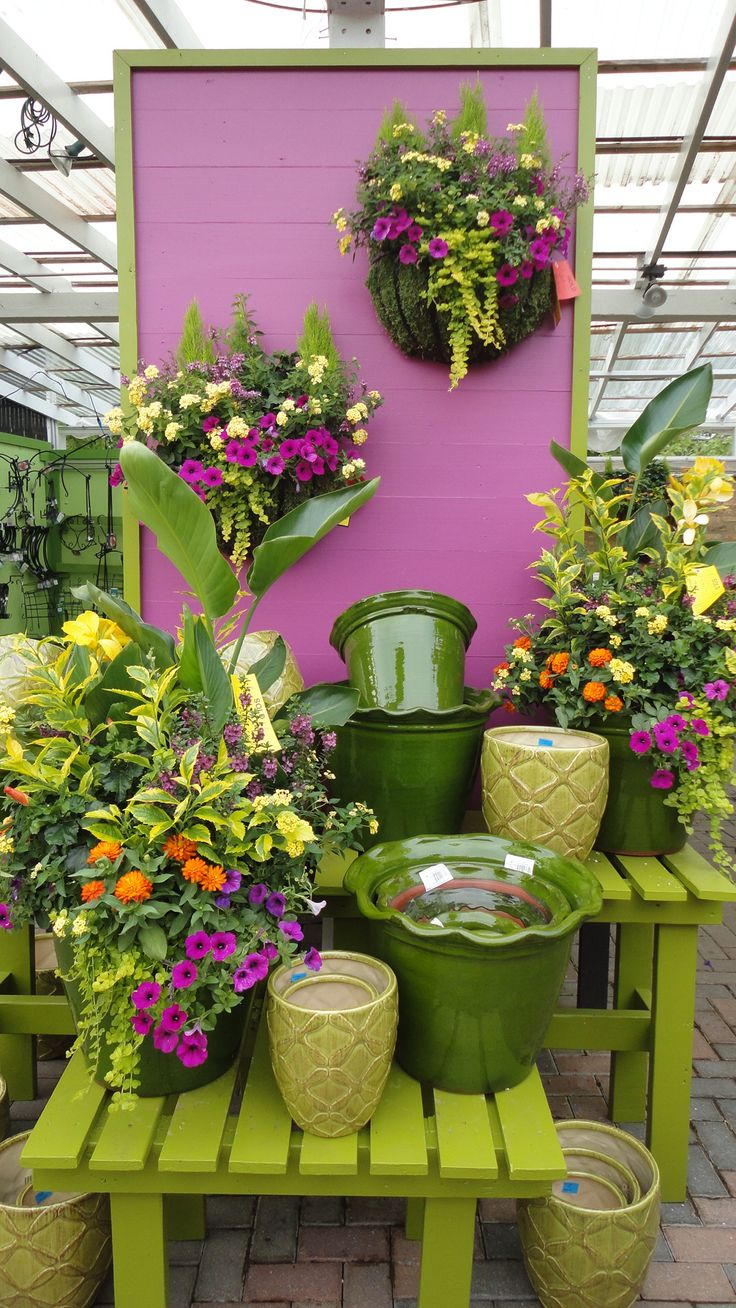 46 best images about garden center displays on pinterest gardens planters and hanging baskets - Fabulous flower stand ideas to display your plants look more beautiful ...