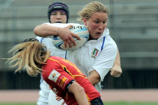 Marta Ferrrari - #Pilier #Centre - Internationale à XV, VII et U #Italie - 8 sélections à XV en 2013 - Première sélection contre la #France le 12/05/2012