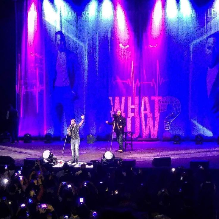 Amazing show! The highlight of our trip was tonight when we got to see @kevinhart4real live in Berlin!! Again a great performance and a awesome warmup by @joeywells5 @comedianspank and @naimlynn! Much love!   #Comedy #Berlin #International #Star #KevinHart #WhatNow #Show #Laugh #Laughing #StandUp #Funny #Love #From #Denmark #BestTime #Everybody #Snap #Pictures #WhatNowTour #Europe #Amazing