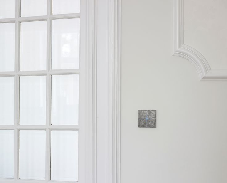 Touch-sensitive, design Sentido switch in fer forgé grey for any interior: contemporary, minimalist, classic... Controls home automation lights, shades, temperature, music ... Available in aluminium, bronze, glass, leather, nickel ... Learn more at www.basalte.be