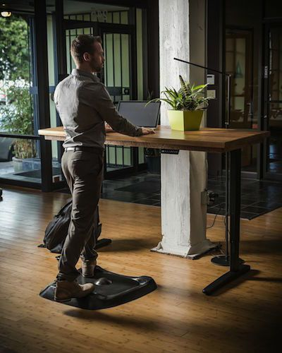 The Topo standing desk mat is the first anti-fatigue mat for sit-stand desk users. Ergo Depot has partnered with ErgoDriven for the exclusive pre-sale.