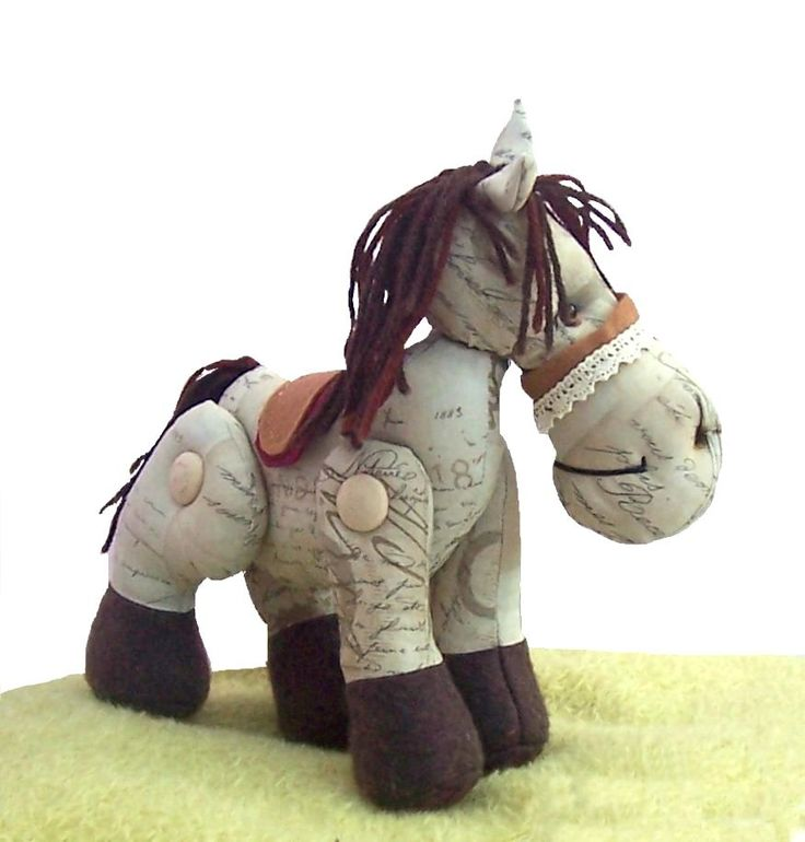 Patrón de costura de caballo de peluche de cedro