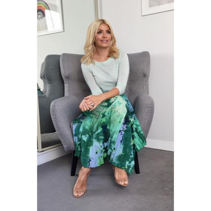"""562 Likes, 6 Comments - Holly Willoughby (@hollywilloughby) on Instagram: """"Today's look on @thismorning ... top by @jcrew skirt by @finerylondon shoes by @officeshoes """""""