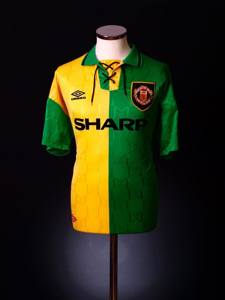 Manchester United 1992 green and gold
