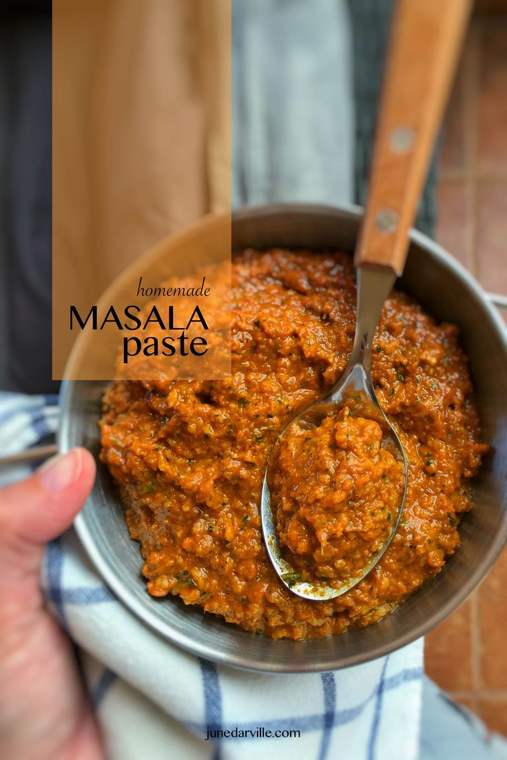 My Cook Processor is the perfect tool to blend ingredients and therefore just perfect to make this delicious masala paste at home!