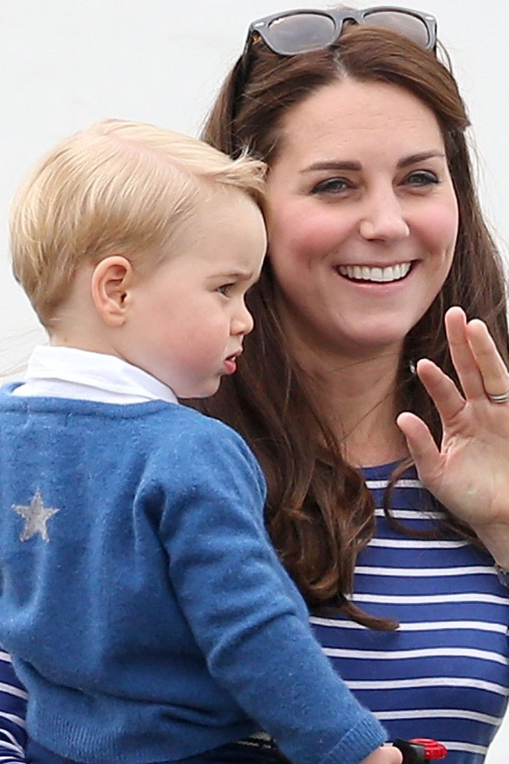 Kate Middleton & Prince George Remind Us That Navy & White Are Just Right For Summer Outings
