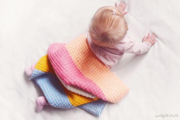 Babydeken haken? Dit schattige dekentje van Yarn and Colors Charming is super leuk om cadeau te doen. Kies zelf je kleuren en ga aan de slag!