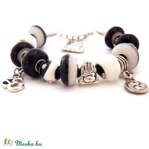 Egyensúly! - fekete fehér jin jang karkötő pandora stílusban Buddhával (ButterflyJew) - Meska.hu
