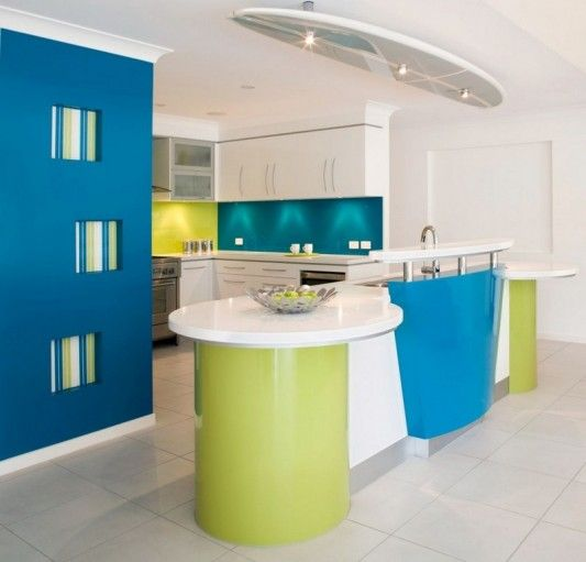 colorful-beach-house-kitchen-with-surfboard-design-ceiling-lamps-5 - Easy Decor